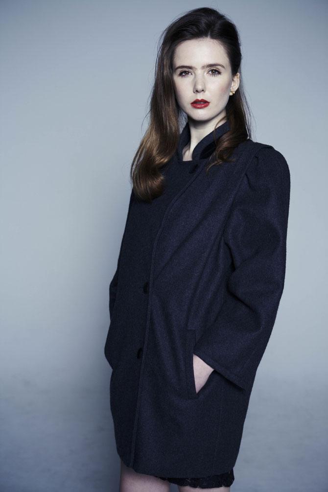 エレガントな配色とライン、美しいデザインが目を引くロンドン買付ウールコート