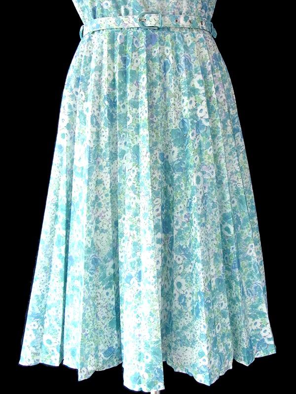 ヨーロッパ古着 ロンドン買い付け パステルカラー の水色を基調とした花柄 X ベルト付き レトロワンピース 16BS212