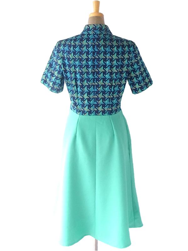 ヨーロッパ古着 ロンドン買い付け 60年代製 ブルー レトロ柄 X ミントグリーン スカート 切り返し ワンピース 16OM700