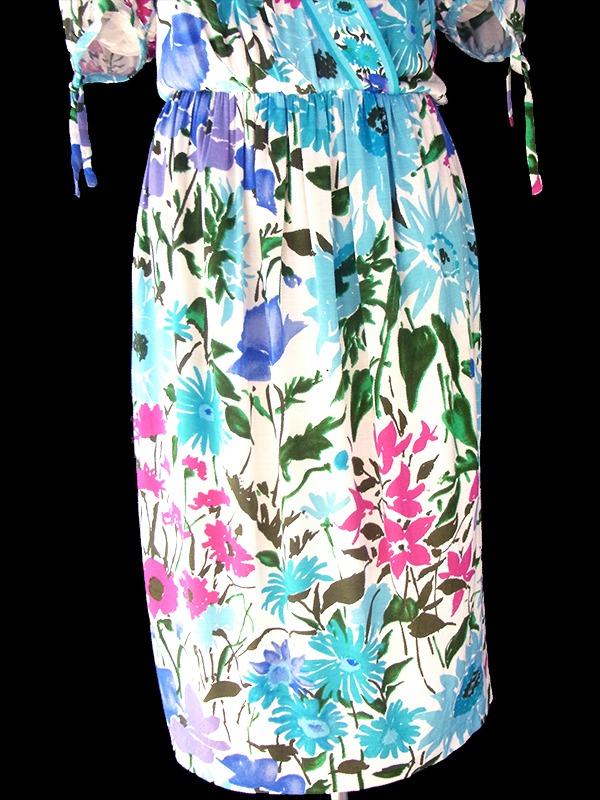 ヨーロッパ古着 ロンドン買い付け イタリア製 ホワイト X 水色を基調とした花柄 ヴィンテージ ワンピース 17BS010