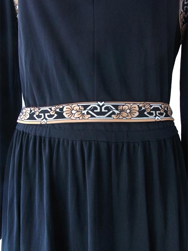 ヨーロッパ古着 ロンドン買い付け 70年代製 ブラック X 花柄ライン ベルト付き 美しいドレープ ワンピース 17BS213