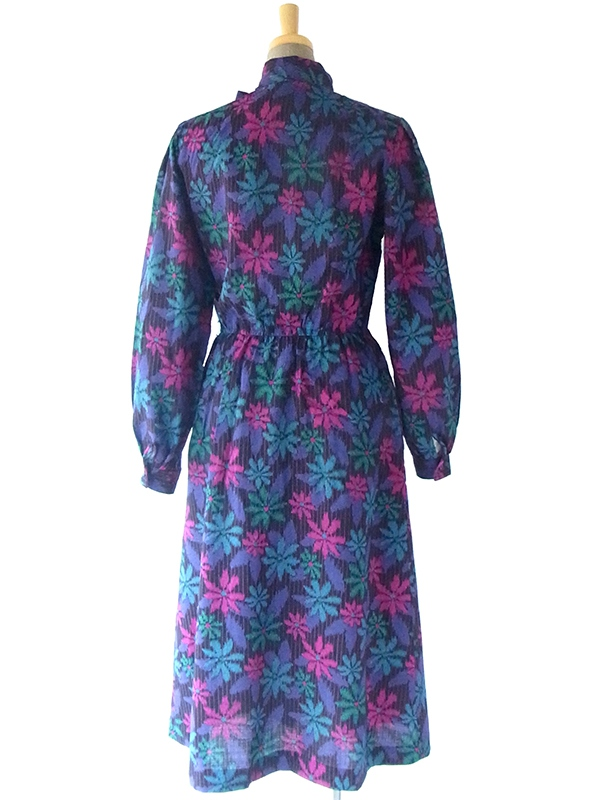 ヨーロッパ古着 70年代イギリス製 Hildebrand Liberty花柄プリント生地 スカーフタイ 前開き ウール ワンピース 17BS214