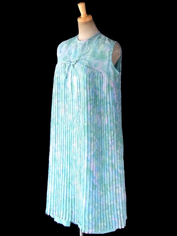 ヨーロッパ古着 フランス買い付け 60年代製 水色 X 水彩のような淡い模様 シフォン地 プリーツ ワンピース 17FC321