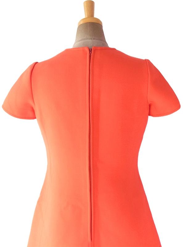 ヨーロッパ古着 フランス買い付け 60年代製 ネオンオレンジ X シームデザイン・ビッグステッチ ウール ワンピース 17FC408