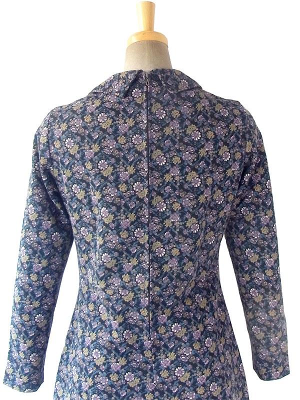 ヨーロッパ古着 フランス買い付け 70年代製 ブラック X シックな配色の花柄 ヴィンテージ ワンピース 17FC508
