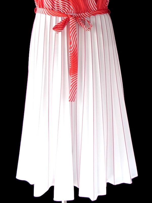 ヨーロッパ古着 ロンドン買い付け 70年代製 レッド X ホワイト 波模様 X アンブレラプリーツ レトロ ワンピース 18BS006