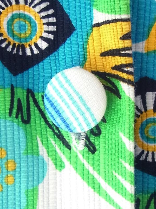 ヨーロッパ古着 フランス買い付け 60年代製 ホワイト クレープ生地 X ブルー 花柄・レトロ柄 くるみボタン ワンピース 18FC214