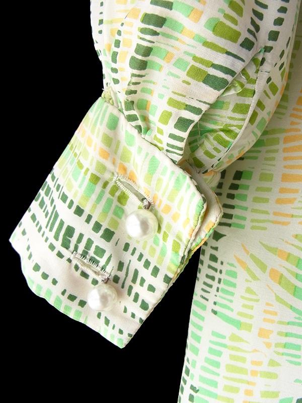 ヨーロッパ古着 フランス買い付け 60年代製 グリーンを基調としたやわらかな色合いのレトロ柄 共布ベルト付き ヴィンテージ ワンピース 18FC305