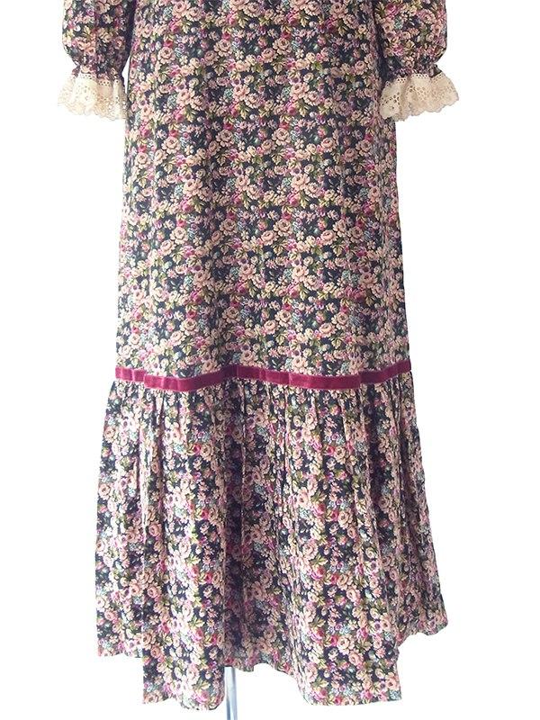 ヨーロッパ古着 ロンドン買い付け ブラック X カラフル花柄 レース・ベルベットテープ ヴィンテージ ロングドレス 18OM013
