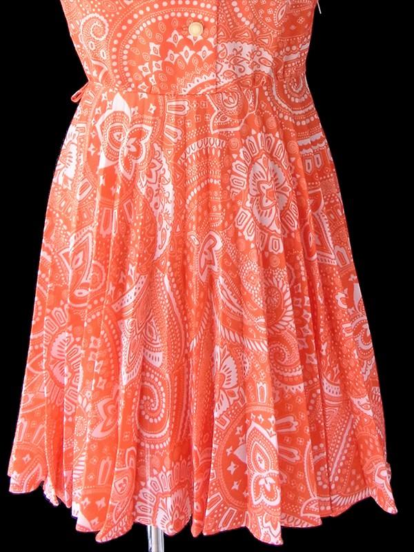 ヨーロッパ古着 ロンドン買い付け 70年代製 オレンジ X ホワイト レトロ柄 プリーツ ワンピース 18OM107