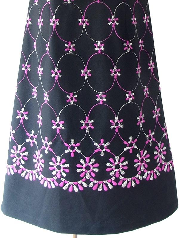 ヨーロッパ古着 ロンドン買い付け 70年代製 ブラック X パープル・シルバーラメ糸 花柄・サークル刺繍 ヴィンテージ ワンピース 18OM311